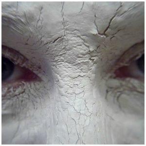 Bentonite clay mask for wrinkles