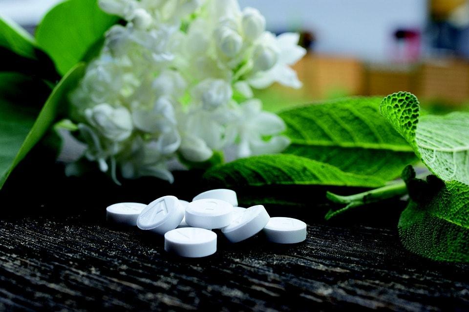 Homeopathy vs natural medicine