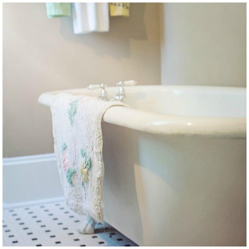 Homemade bath soak for sore muscles